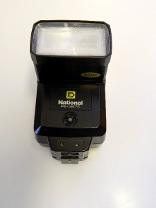 NATIONAL PE-3878 UNIVERSAL FLASH GUN***