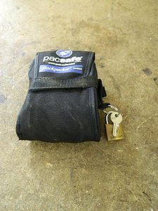 PACSSAFE, WEIGHTED LOCK**