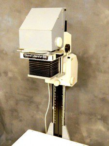 DURST LABORATOR 1000 BENCH ENLARGER WITH BLACK AND WHITE HEAD***