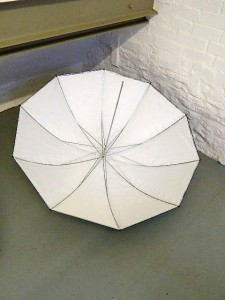BOWENS WHITE 1M BROLLY***