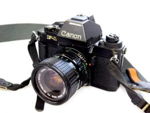 CANON F1N CAMERA=35-70mm f3.5-4.5 LENS***