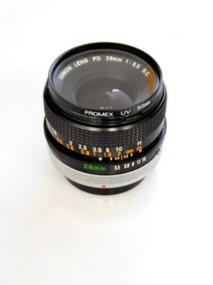 CANON FD 28mm f3.5 LENS***
