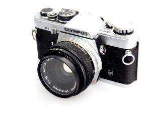 OLYMPUS OM-2 CAMERA+50mm f1.8 LENS***