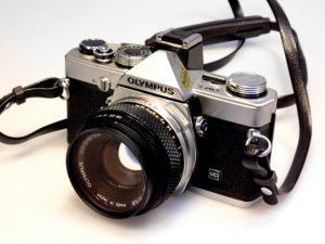 OLYMPUS OM-1n + 50mm f1.8 LENS***