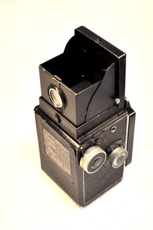 ROLLEICORD II TYPE 1 TLR CAMERA*