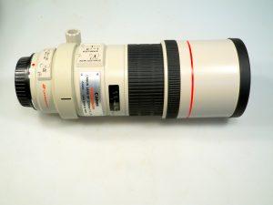 CANON EF 300mm USM f4 L IS LENS***