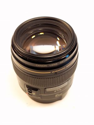 CANON EF 85mm f1.8 USM LENS***