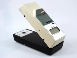 VICTOREEN 07-443 BATTERY OPERATED DENSITOMETER***
